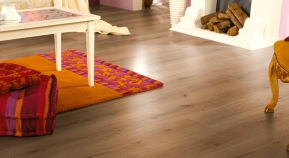 Holzfußboden Reinigen ~ Wie bodenbelag reinigen und pflegen?