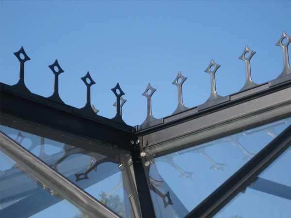 Gewächshaus Zubehör Firstkrone aus Kunststoff, dunkelgrün