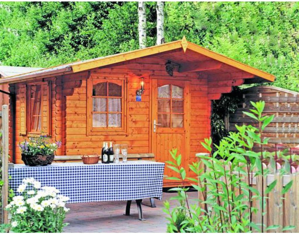 gartenhaus blockbohlenhaus skagen 44 b 44 mm naturbelassen wf0895. Black Bedroom Furniture Sets. Home Design Ideas
