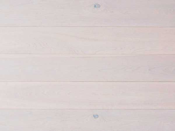 Parkett Eiche weiß matt lackiert Landhausdiele