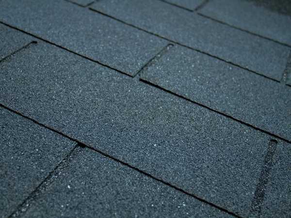 Dachschindeln schwarz