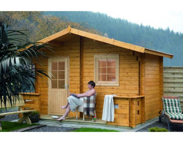 Saunahaus Sanna 70 70 mm naturbelassen mit Terrasse