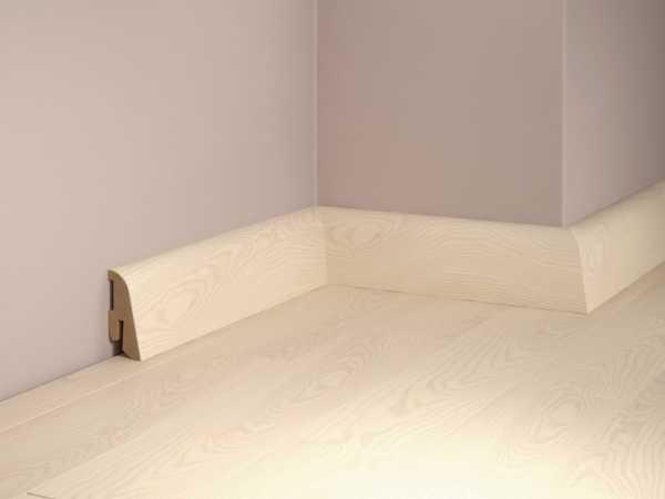 Sockelleiste SL-410 Esche hell Furnierleiste matt weiß lackiert