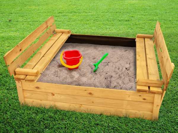 Sandkasten Tommy de Luxe 120 x 120 mit Sitzbänken und Abdeckung kesseldruckimprägniert