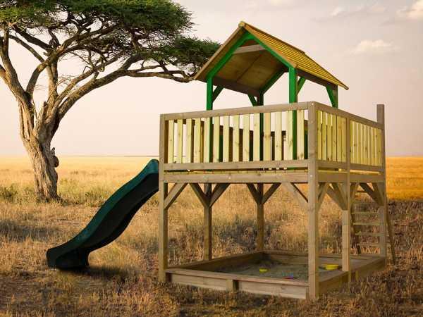 Spielturm Atka braun/grün mit grüner Rutsche