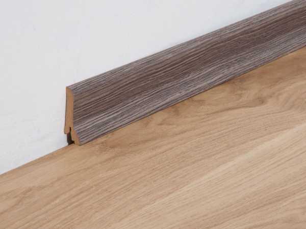 Sockelleiste Räuchereiche grau-schwarz Profil 4 K Dekor