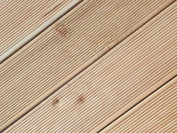 terrassendiele sibirische laerche holz terrassendielen